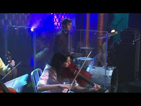 Vampire Weekend - Kids Don't Stand a Chance (live on Conan).avi