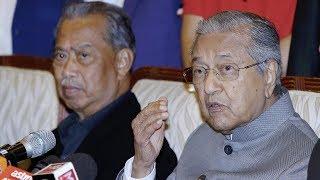 Tun M pertahan MB Perak, tiada tindakan diambil