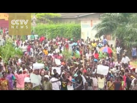Protesters clash with police in Burundi