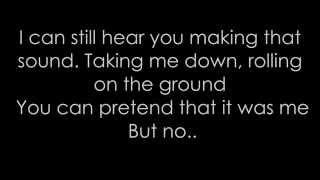 Maroon 5 - Animals / Lyrics ♬