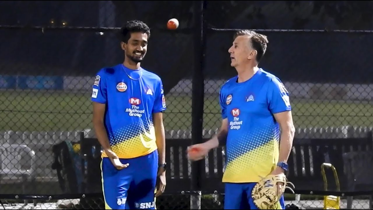 Eric Simons psyches Sai Kishore with his simple looking juggle act