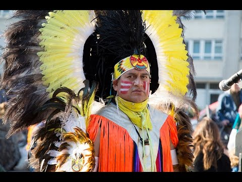 IMAYRA Indian Group in Alexanderplatz Berlin by BerlinCamera