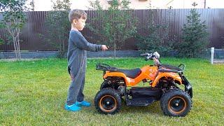 تقوم Senya باختبار مركبة ATV جديدة. المسلسل الأكثر إثارة للاهتمام من Senya