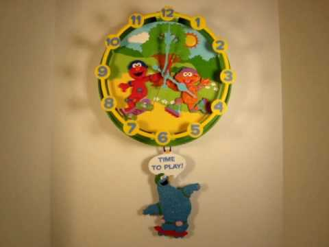 Elmo Animated Talking Wall Clock - YouTube