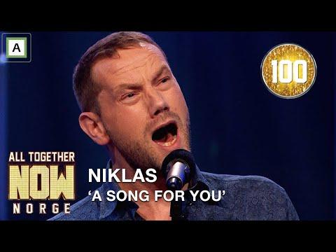 All Together Now Norge | Alle 100 reiser seg for Niklas med A Song For You av Leon Russel