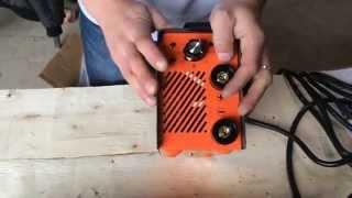 Сварочные аппараты бытовые HAMER MINI 160I - как делать сварку в домашних условиях.(В этом видео подробно показано - как пользоваться сварочным аппаратом, как его подключать, чем должен быть..., 2015-10-05T10:27:57.000Z)