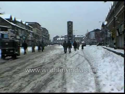 Snowfall in Kashmir brings back smiles