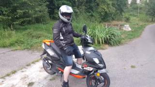 How to Ride a 50cc Scooter for the First Time ( german)
