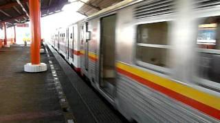 【ジャカルタ】KL3-76系/KL3-86系RHEOSTATIK マンガベサール駅到着