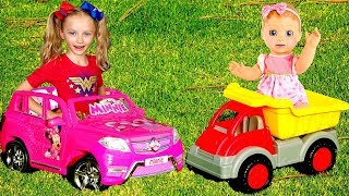 Polina Superhero helps baby dolls. Playing with car toys.