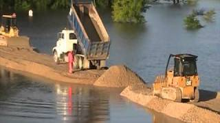 2011 Wappapello Flood Fight: Temporary Rock Dike Construction