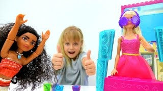 Барби и Маша устраивают вечеринку для Моаны. Приключения Барби - Мультики для девочек