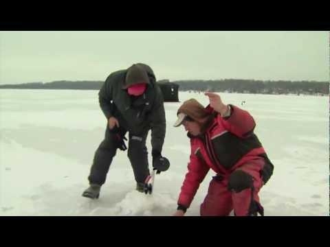 Ice fishing Pike, Little Lake, Barrie