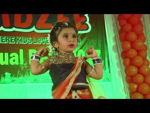 Maiya Yashoda ye tera Kanhaiya dance by Swara Pansambal on Annual day of Kidzee Rahuri.