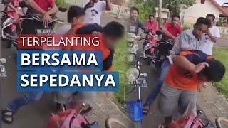 VIRAL Video Bocah Penjual Jalangkote Dibully Sekelompok Pemuda, Dipukuli dan Didorong hingga Jatuh