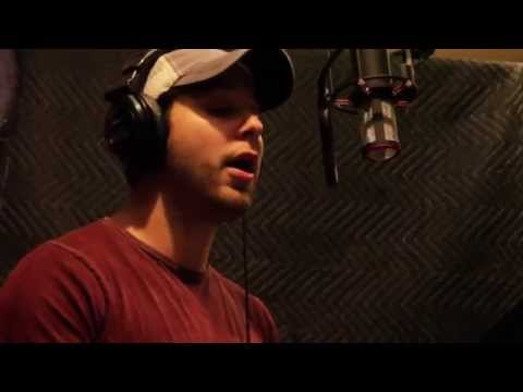 Skylar Astin Singing 'Middle of a Moment'