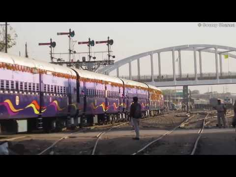 Indian Railways : PM Narendra Modi Flagged Off Manduadih - Patna Intercity Express