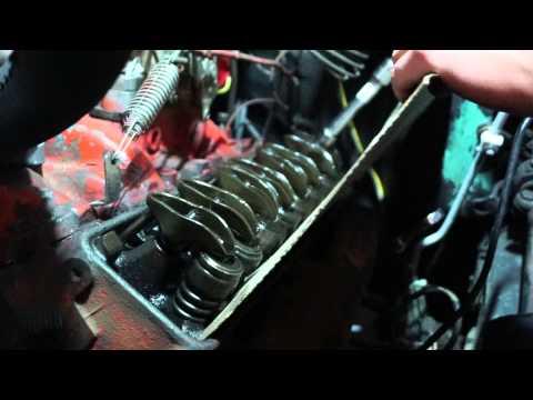 Chevy valve adjustment (engine running) | FunnyCat.TV