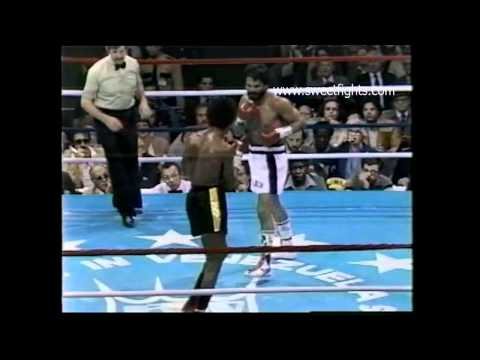 Sugar Ray confuses frustrates and makes Roberto Duran QUIT