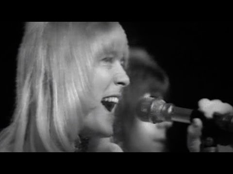 Sweet - The Ballroom Blitz - Top Of The Pops 20.09.1973 (OFFICIAL) from YouTube · Duration:  3 minutes 52 seconds