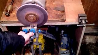 Приспособление для заточки ножей ледобура.(Заточка ножей от ледобура. Как это фрезеровалось: http://www.youtube.com/watch?v=5BPyvSnTPHA., 2015-03-14T16:15:40.000Z)
