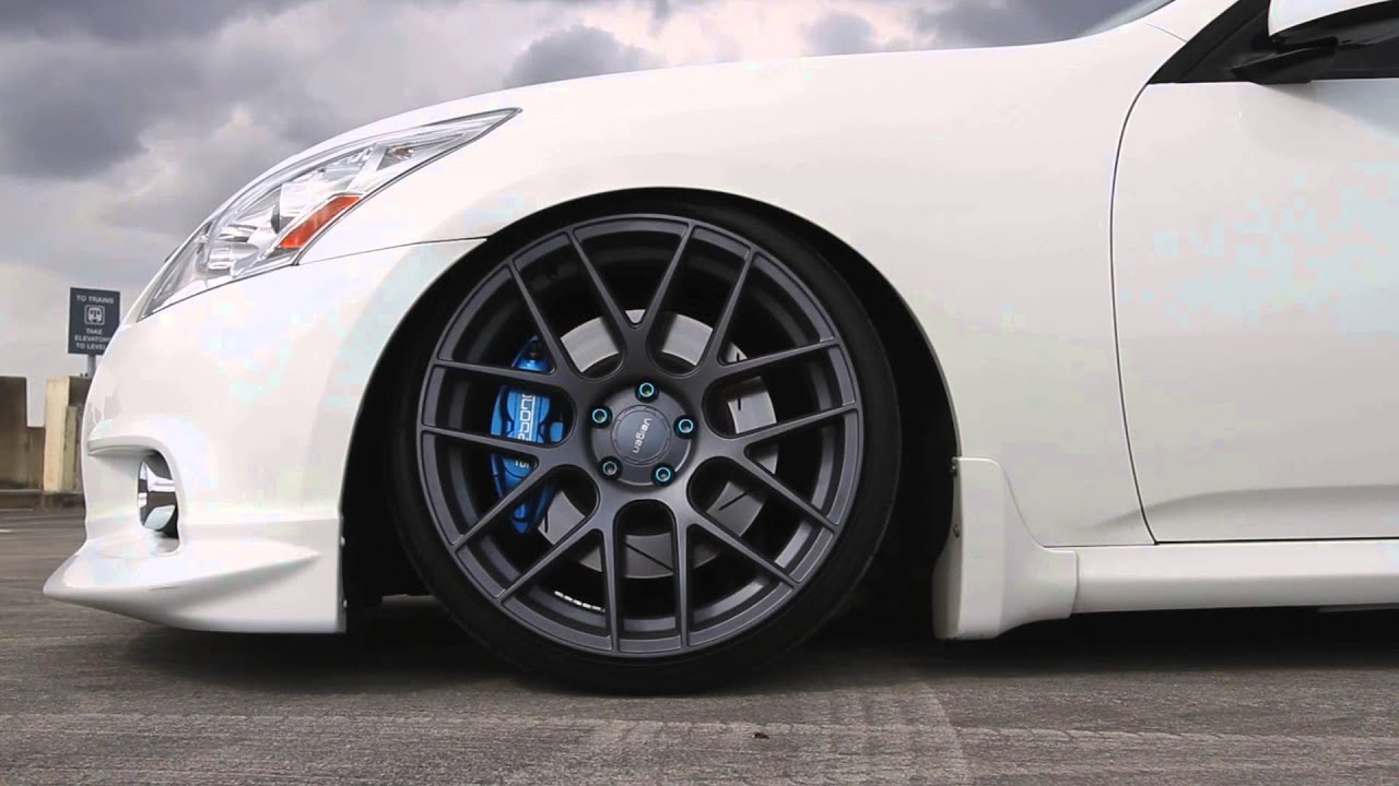 Infiniti G37 Sedan Velgen Wheels VMB7 - YouTube