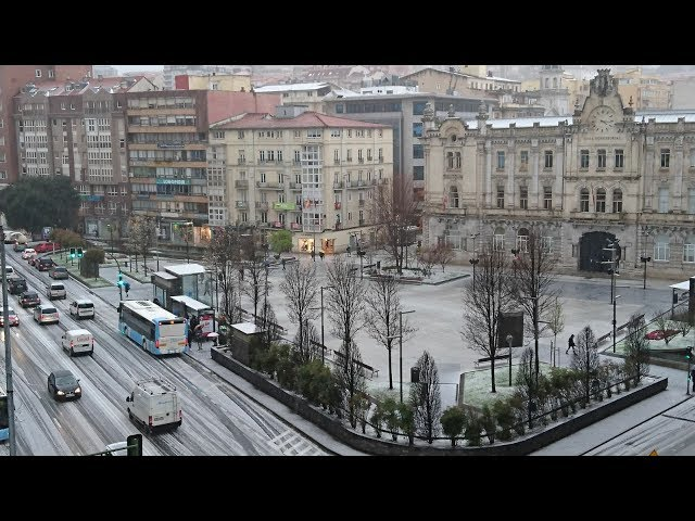 Una intensa granizada cubre las calles de Santander