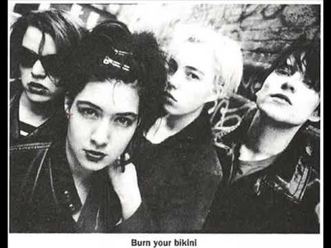 Bikini Kill @ Cumberland Arms,  England (96-04-17) [FULL SHOW]