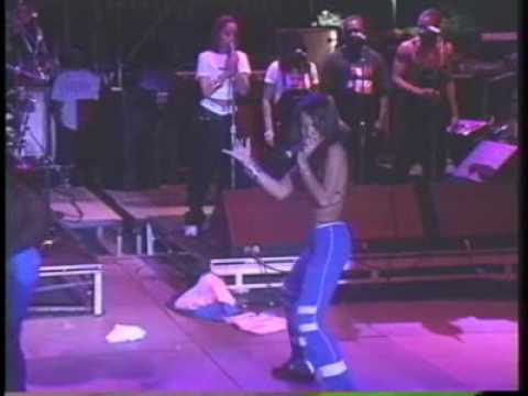 Aaliyah - One In A Million Live Superfest 97