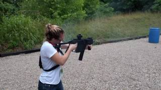 Kriss vector SMG 45acp machine gun test fire