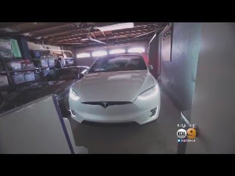Tesla Recalls 123K Model S Sedans For Power Steering Problem