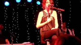 Selena Gomez & The Scene - Off The Chain (Acoustic) @ the Roxy on Oct. 26th