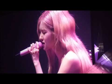 blackpink---rosé-(let-it-be,-you&i,-only-look-at-me)-solo-|-berlin