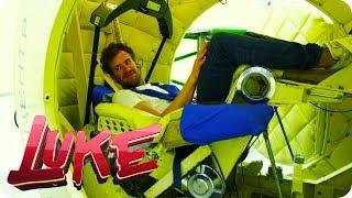 Im Schleudergang - Luke beim Astronautentraining - LUKE! Die Woche und ich