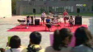 The Stupid Modern Music Vs Wind flower Traditional Music