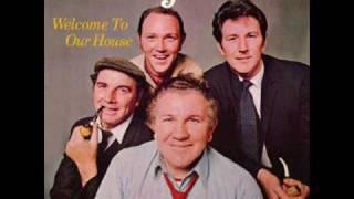 The Clancy Brothers & Tommy Makem - Limerick Rake