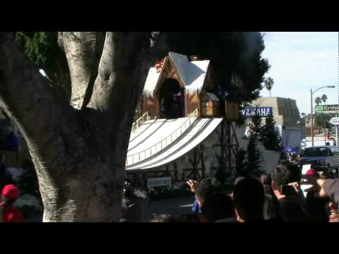Snowboarding Bull Dogs! - Tournament of Roses Parade 2010
