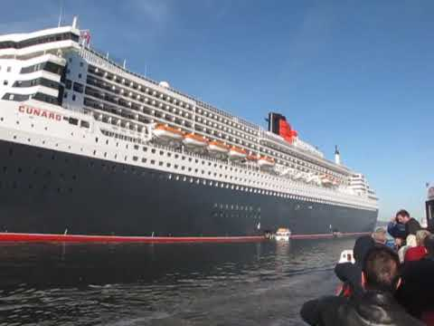 QM2 at South Queensferry from the Tender