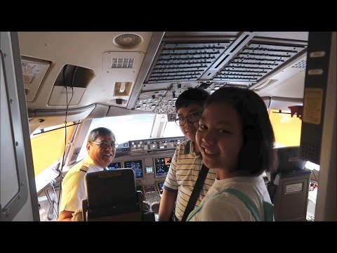 flight-deck-visit-|-philippine-airlines-boeing-777-to-hong-kong
