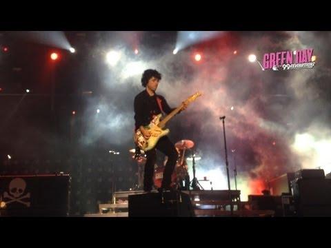 [HD] Green Day - Pulling Teeth @ Krieau Rocks 2013 [Vienna]