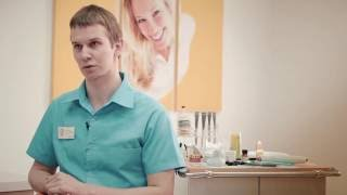 Как происходит фиксация брекетов в стоматологии Улыбнись. Рассказывает ортодонт Александр Яковлев(, 2016-04-12T08:39:38.000Z)