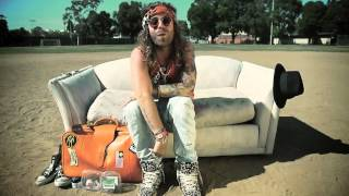 Смотреть клип Mod Sun - Stoner Girl Ft. Pat Brown