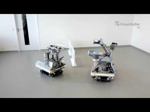 Online Trajectory Optimization for Cooperative Mobile Robot Navigation