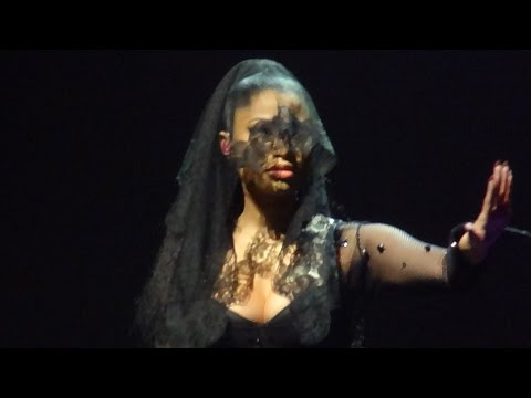 Nicki Minaj - Intro + All Things Go (Brussels, Belgium - The Pink Print Tour, Palais 12 - HD)