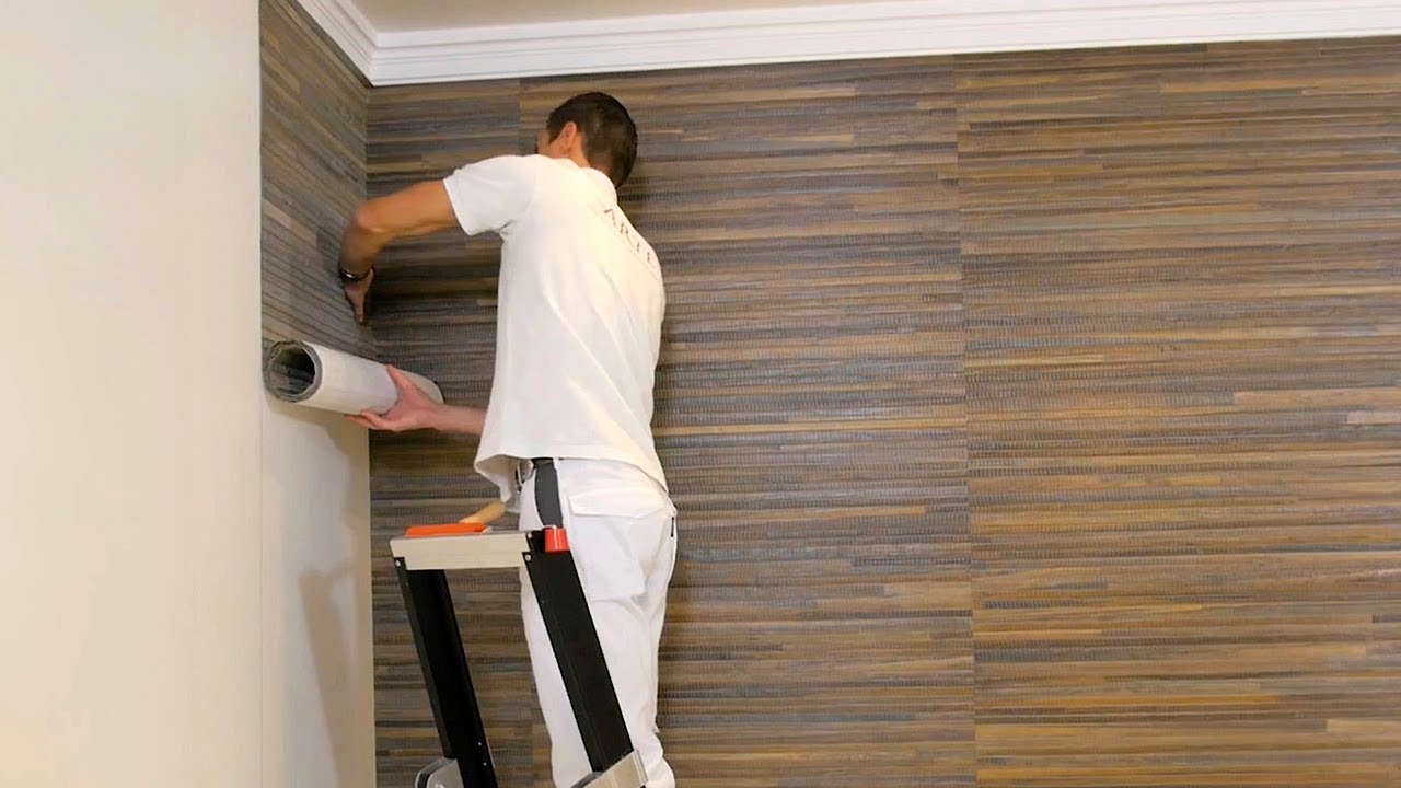 How to glue the wallpaper in the corners