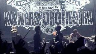 Kaizers Orchestra - Faen i båten [lyrics]