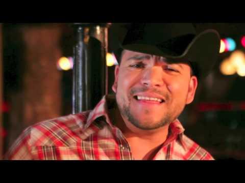 Michael Salgado - Buscando Amor Official Music Video