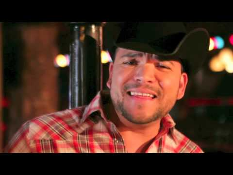 Michael Salgado - Buscando Amor Official Music Video
