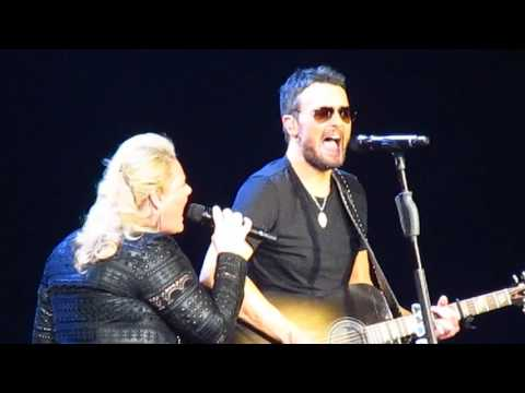 Eric Church at Quicken Loans Arena Mixed Drinks About Feelings