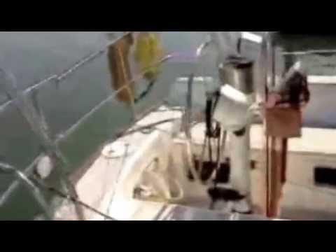 Maritime Mobile HF Amateur Radio Station on a Freedom 28 Sailboat